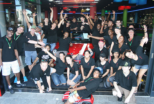 corporate-team-building-group-photo